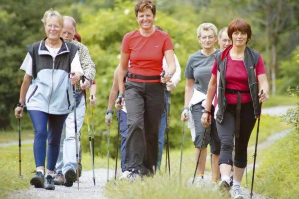 Скандинавская ходьба – минимум усилий и максимум пользы для здоровья