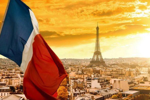 Власти Франции обеспокоены возвратом эпидемии в дома престарелых