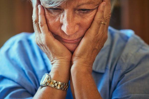 Одиночество способствует возникновению деменции у людей пожилого возраста